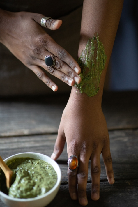 Soothing-herbal-poultice
